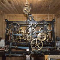(23) Uhrwerk im Kirchturm von Niederbettingen an der Kyll