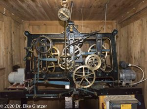 Das Uhrwerk der alten Turmuhr von Niederbettingen